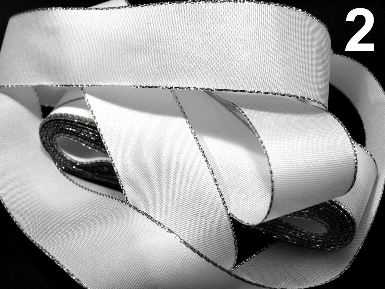 Stuha taftová šíře 25mm ČESKÝ VÝROBEK s lurexem 10m - 8 Kč / m 100 bílá stříbrná